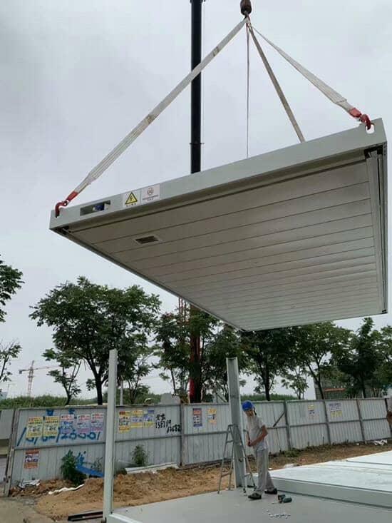 打包箱房顶部为独立的单元,内置暗线及吊顶图