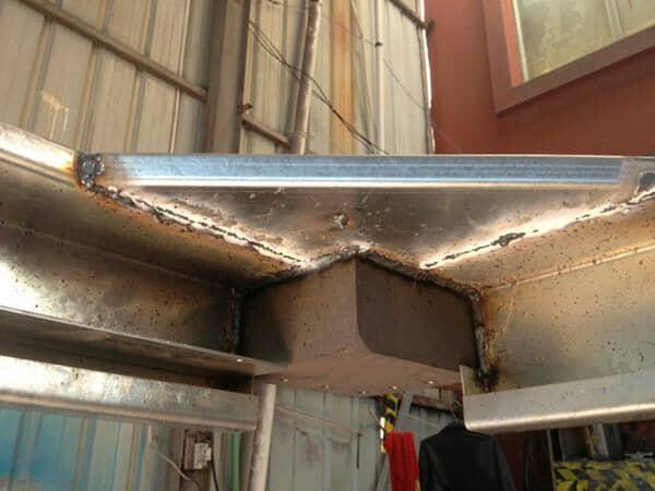 箱房顶部三角钢板焊接效果设计图