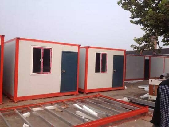住人集装箱标配为正面一个门与一个窗