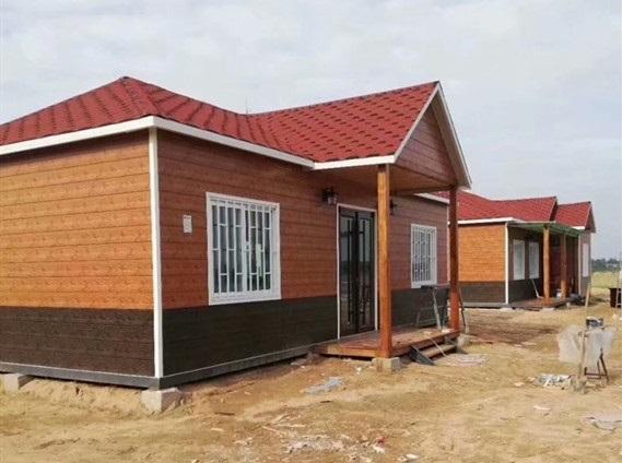 集装箱房改造而成的别墅图