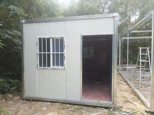 3m乘3m箱式活动房3米面开门图