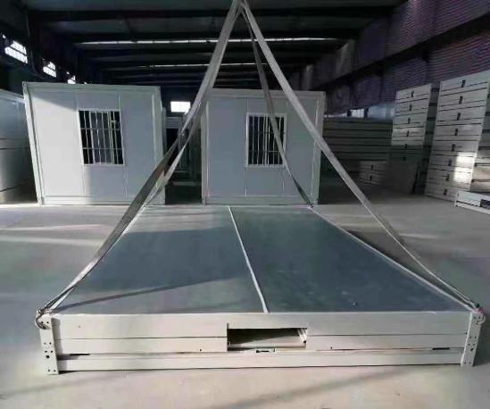 折叠式集装箱活动板房10平方的价格为7500元
