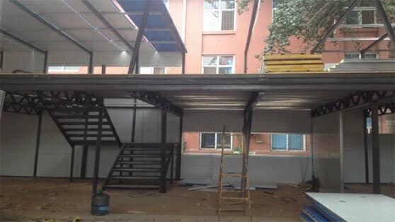 轻钢活动房转弯楼梯图