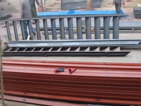 二层直通式活动板房楼梯图