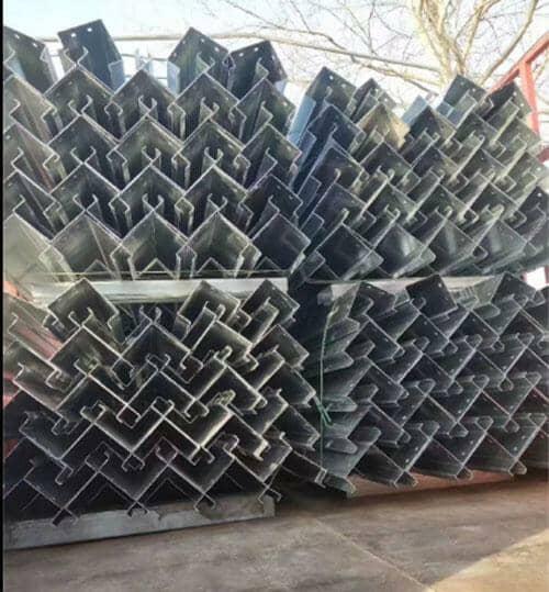 立柱为镀锌钢板