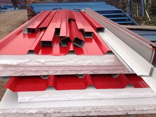 红色彩钢夹心顶板