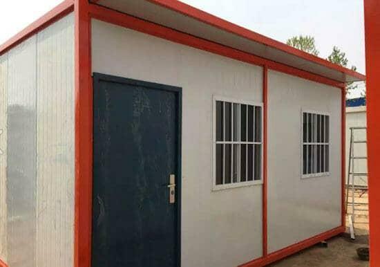 正面一门两窗的住人集装箱活动房