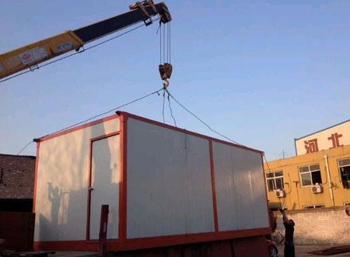 集装箱活动房装车图
