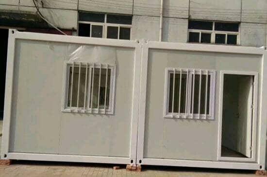 每个箱房标配为一个门,两个窗户