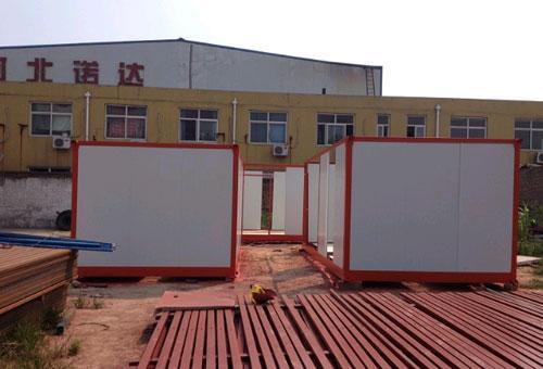 彩钢板住人式集装箱活动房图