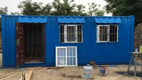 钢板集装箱房屋正面一门两窗图
