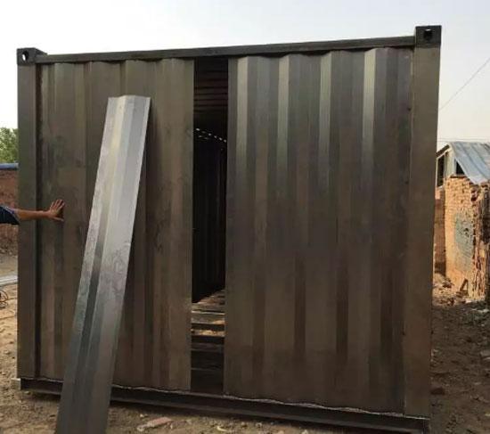 瓦楞波浪型钢板已广泛应用在集装箱活动房