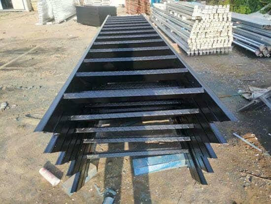 镀锌活动房钢楼梯