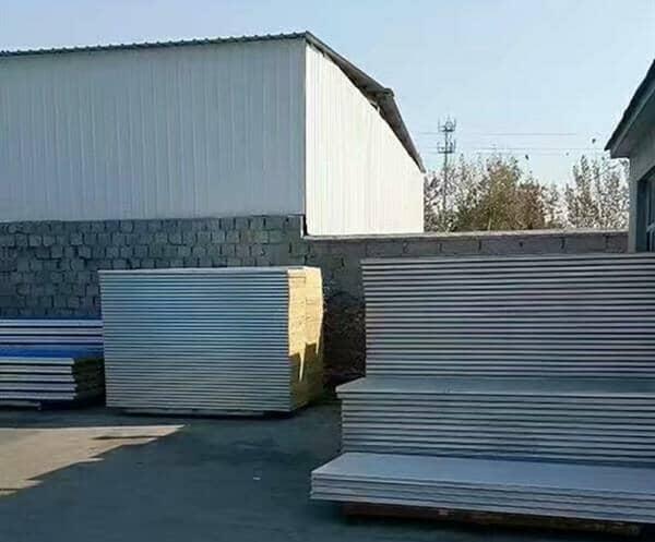 彩钢板产业链造就彩钢板村