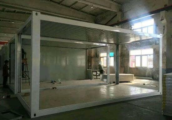 吊件为烤漆白色多孔吊件,每个吊件可以吊起1吨左右的重量