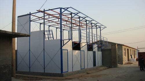 二层彩钢板房安装墙面板图