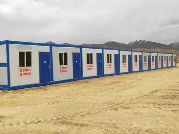 整排12间折叠式集装箱活动房