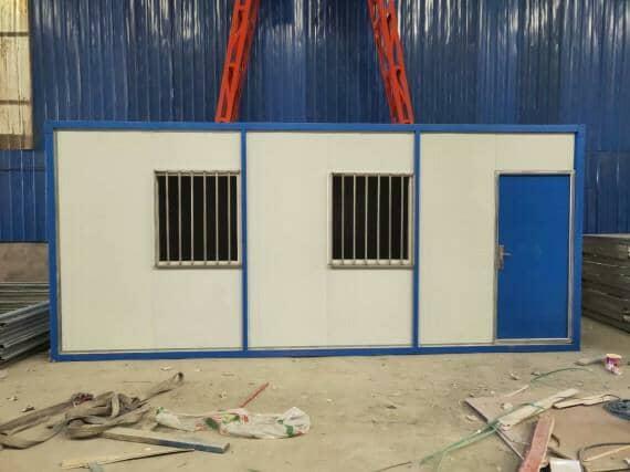蓝色住人集装箱活动房