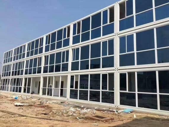 带玻璃幕墙三层集装箱式活动房